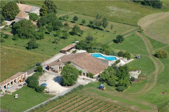 Saint Julien d'Eymet, Frankreich: Aerial view of Le Grand Fougueyrat