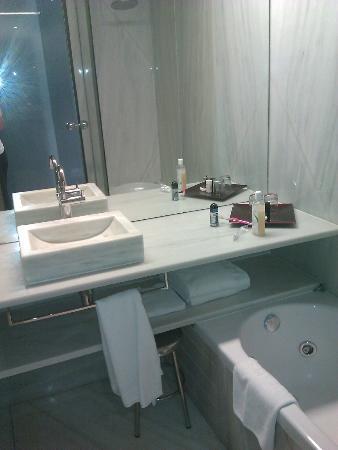 Hotel Marina Atarazanas : Baño