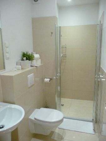 Venetian House Aparthotel : Bath