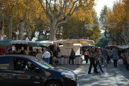 Place des Lices Market : Il mercato di Sain Tropez