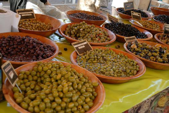 Place des Lices Market : Il mercato di Saint Tropez