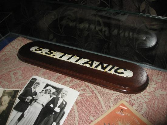 Larne Museum & Arts Centre: Titanic lifeboat name plate