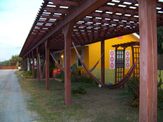 Si Como No Inn: Communal Hammocks