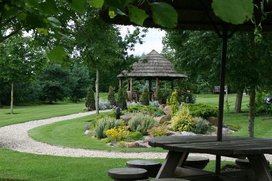 Grosvenor Pulford Hotel & Spa: garden