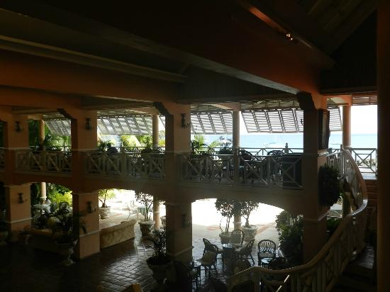 Coco Reef Tobago: from stairs looking out to sea