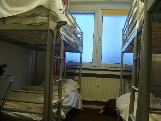 Backpackers Dusseldorf: 6 bed room
