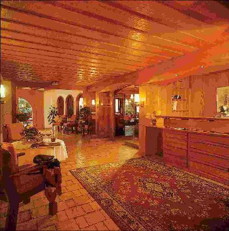 Oberdeisenhof - Landhotel Garni: Eingangsbereich/Rezeption