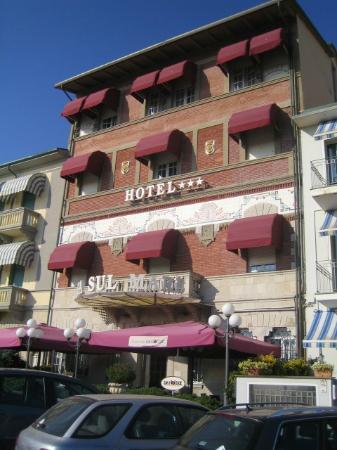 Hotel Alba sul Mare: Alba sul Mare...Tramonto su i Monti