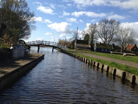 Wetlands Safari : paddling along the canals