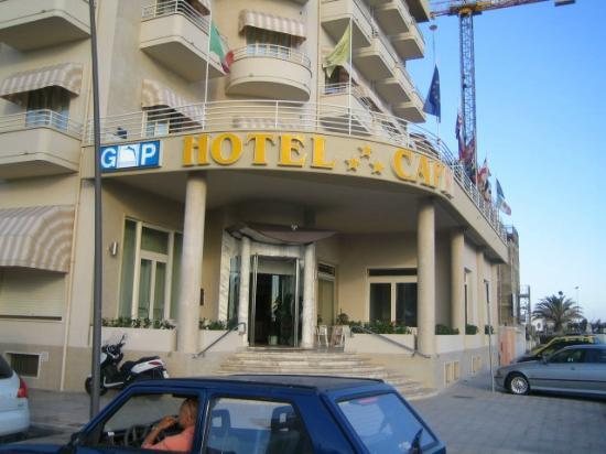 Hotel Capri: Capri Hotel vista ingresso