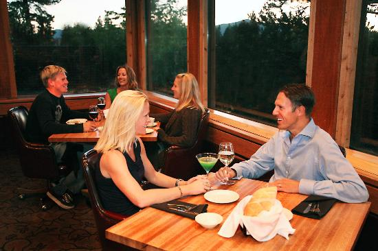 The Timbers Restaurant: Relaxing environment