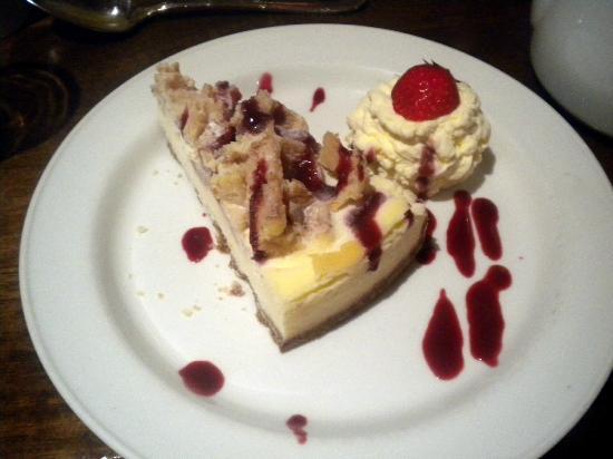 Ashbourne House Hotel: Beautiful cheesecake.