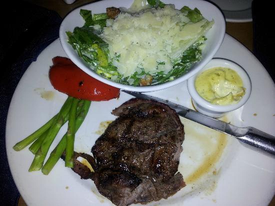 The Keg Steakhouse + Bar: Fillet Minon and ceazar salad