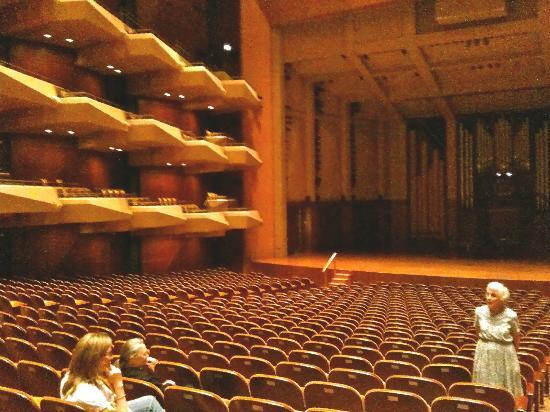 Benaroya Hall: Tour the hall & you will come back!