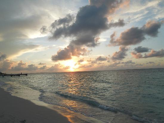 Ocean Club West : Beautiful sunset on Grace Bay Beach