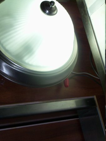 Travelodge Fort Lauderdale Beach: light hanging in elevator