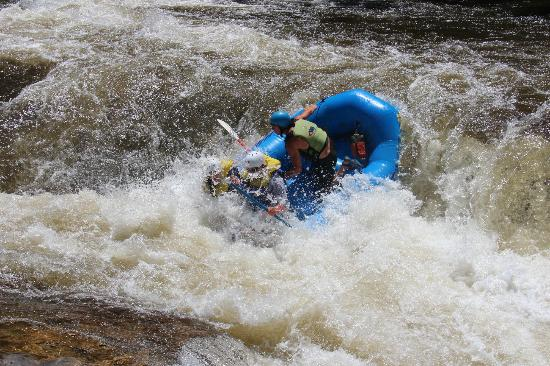 Wildwater Rafting - Chattooga: biggest rapid of day