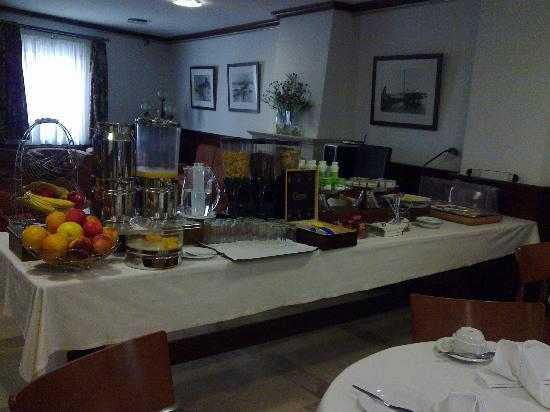 Hotel Aveiro Center: Desayunos