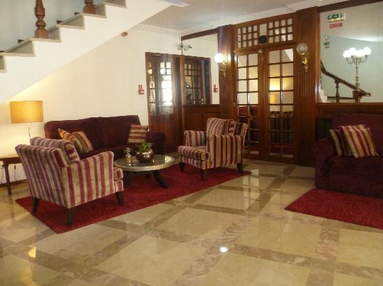 Hotel Aveiro Center: Recepción