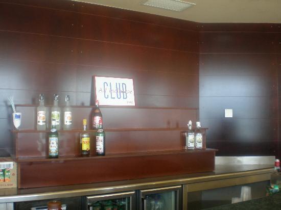 Hotel ATH Roquetas de Mar: este es el panel donde se exponen lo que puedes pedir con TODO INCLUIDO