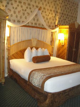 Parkway International Resort: master bedroom