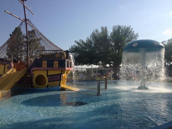 Rodeway Inn: splash water park