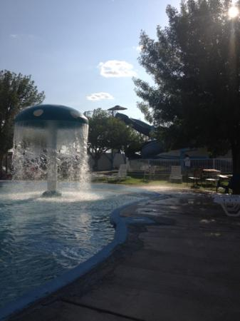 Rodeway Inn: splash water park with a shot of the two slides in the back