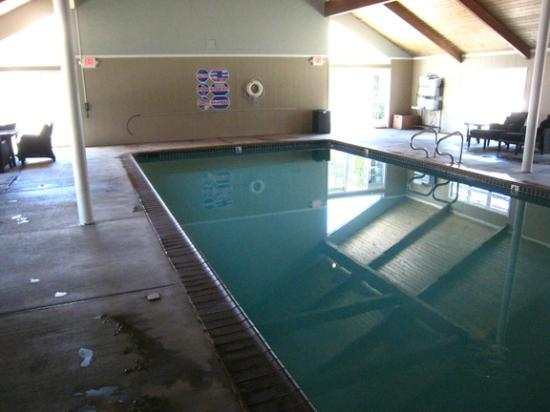 Hadsten House: Indoor pool
