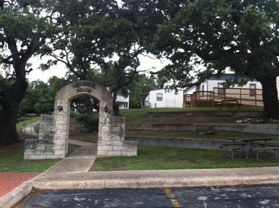 Kuhlmann-King Historical House: enter from City Hall parking lot