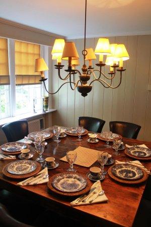 Inn at Kent Falls: Inn at Kent Fall's dining room