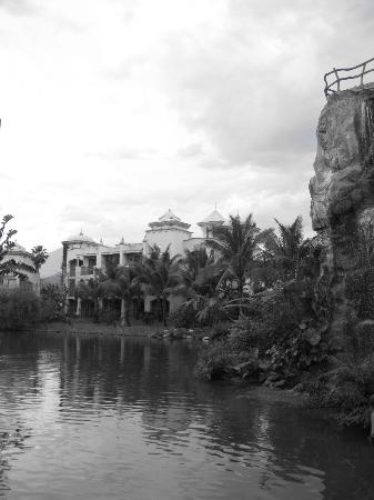 Promisedland Resort & Lagoon: Using Blk&Wht