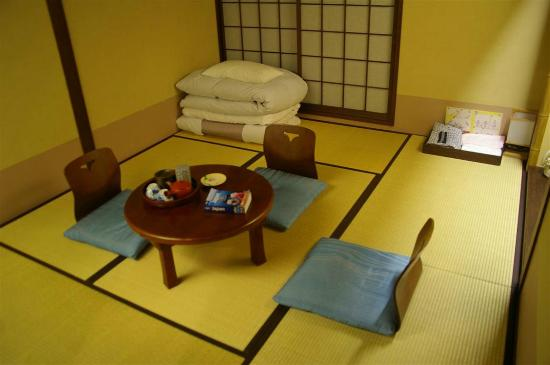 Matsubaya Inn: D-type room