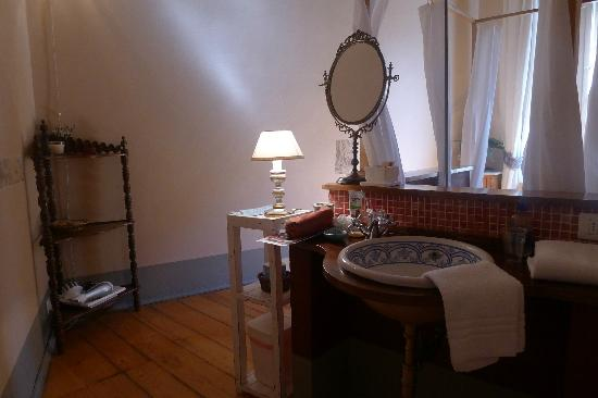 Bed & Breakfast La Romea: blue room bathroom