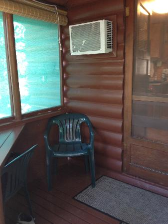 Wagon Wheel RV Campground and Cabins: front porch