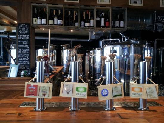Deep Creek Brews & Eats : Tanks behind the bar.