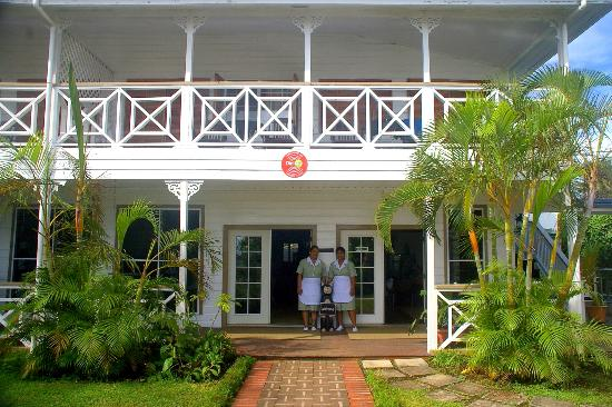 Nuku'alofa, Tonga : Waterfront Lodge Entrance