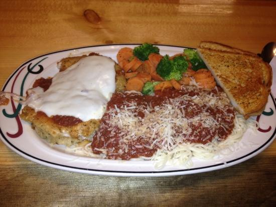Timberline Cafe: chicken parmesan is so good