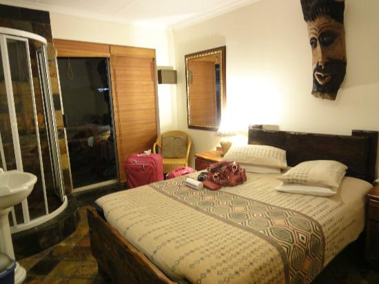 Lungile Backpackers Lodge: Quarto