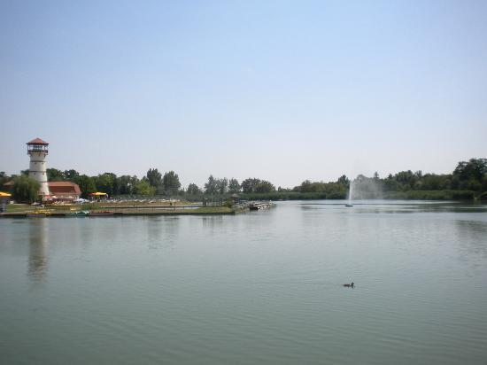 Hotel Corvus Aqua: вид на озеро и СПА-центр