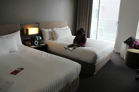 Crowne Plaza Adelaide: room