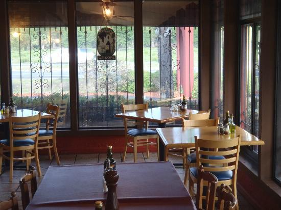 Vincent's Italian Restaurant: View of the porch