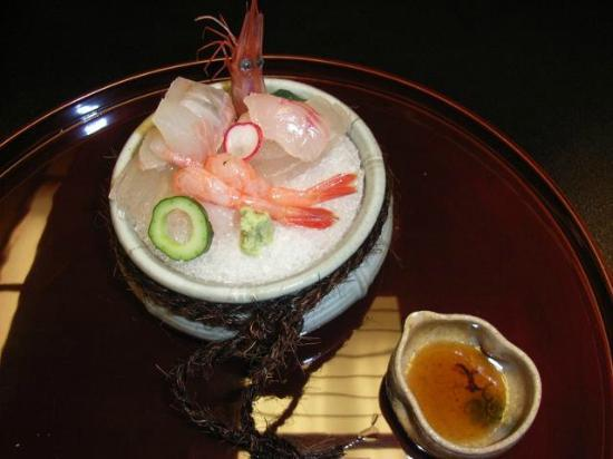 Yumeya: Fresh seafood (Sshimi)