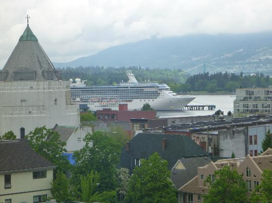 Patricia Hotel: View of Canada Place from 5th floor
