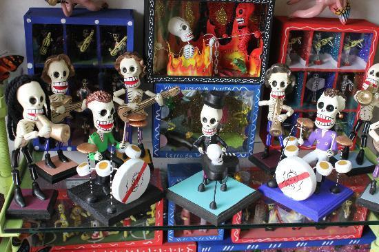 Mercado el Parian: Skeleton displays