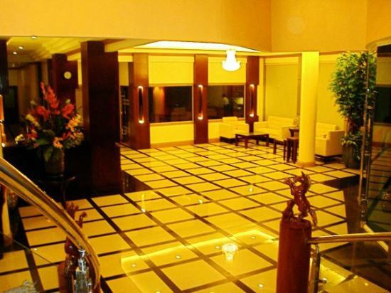 Anfa Royale Hotel: reception and waiting area