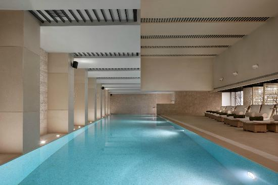 The Langham Shanghai Xintiandi: Swimming pool