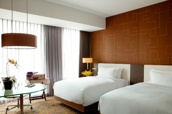 The Langham Shanghai Xintiandi : Room
