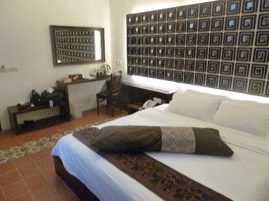 Courtyard @ Heeren Boutique Hotel: Stylish bedroom