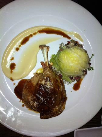 Barkers Wine Bar and Bistro: Duck with cabbage