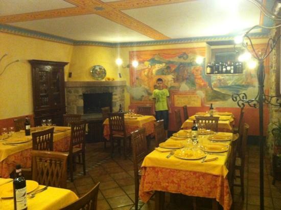 Ristorante Da Remo: Sala medioevale